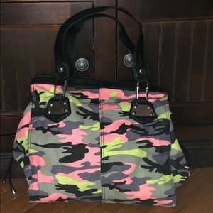 JESSICA SIMPSON CAMO SHOULDER BAG